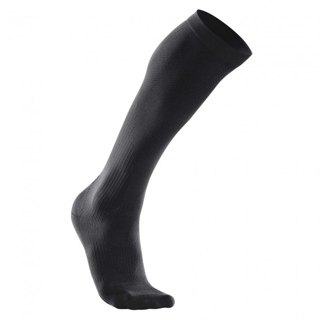 2xu-woman-compression-performance-race-socks-wa2443e