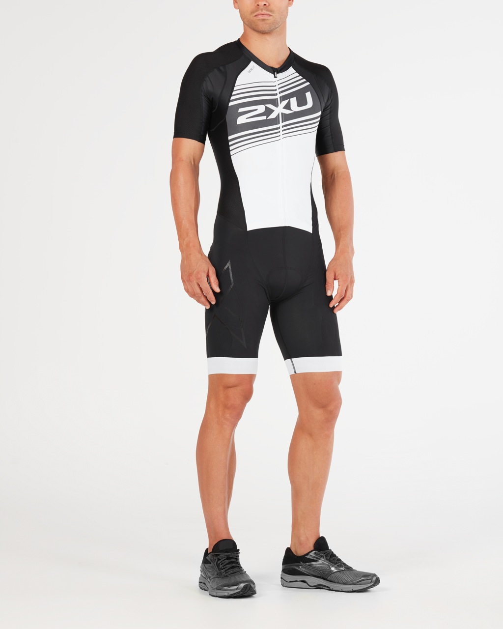 BODY 2XU MEN'S COMPRESSION FULL ZIP SLEEVED TRISUIT MT4838d black white logo.jpg