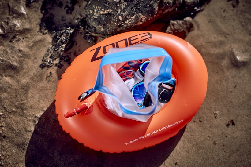 BORSA GALLEGGIANTE PER NUOTO ZONE3 SWIM BUOY DRY BAG DONUT photo149.jpg