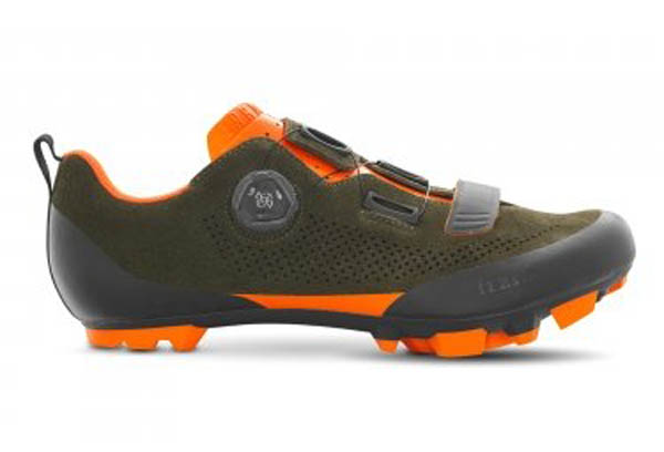 SCARPA CICLISMO FIZIK TERRA X5 green orange.jpg